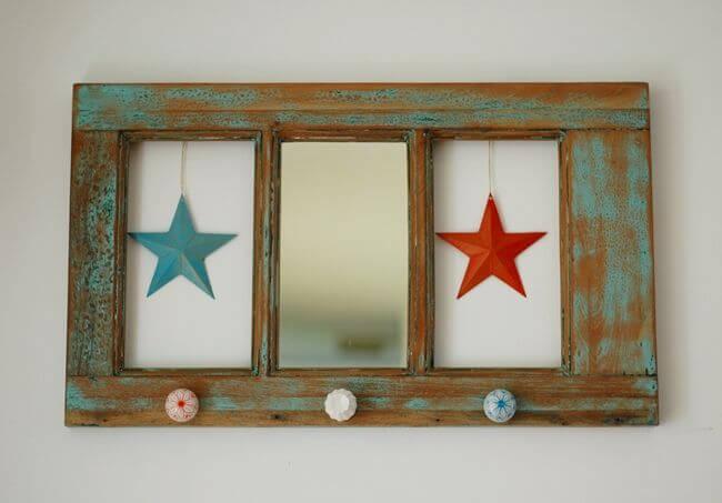 Haz un perchero con una ventana de madera